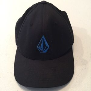 Unisex volcom  black hat small- medium